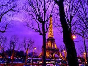 パリの夕暮れ